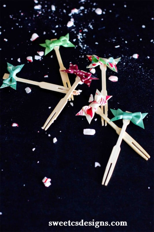Toothpick bows from American Crafts